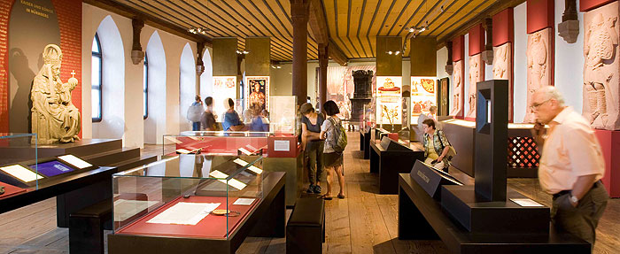 Picture: People visiting the exhibition rooms at the Imperial Castle Nuremberg